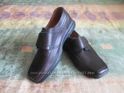 Новые кожаные туфли, стелька 22 см.