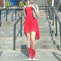 Красивое кружевное платье для девочки 12-15 лет. Италия.