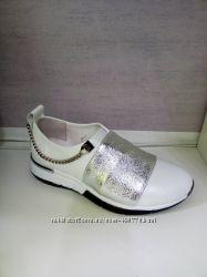 Жіночі шкіряні кроссовки