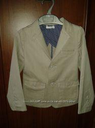 Стильный котоновый пиджак мальчику 2 лет, идеальное состояние