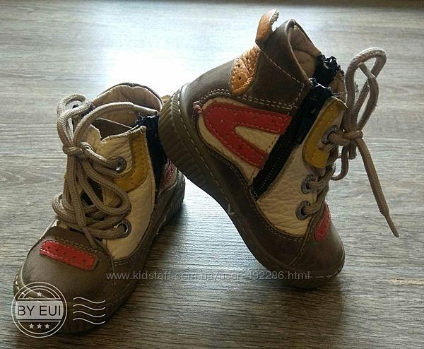 Ботинки деми Red Kids на полную ногу с высоким подьемом,19-й размер