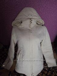 Стеганая красивая курточка. р. 44-46 Отличное состояние