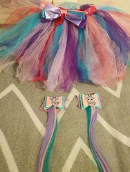 LOL фатиновая юбка и  бантики с лол и с цветными прядями канекалонами