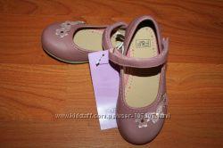Стильные туфельки для девочки от фирмы F&F