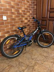 Велосипед TREK Jet 20  шлем Kellys в подарок