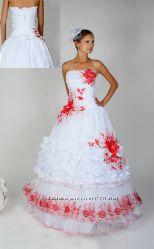 Свадебное платье в украинском стиле с вышивкой