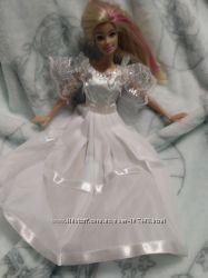Комплекты одежды , диван, кровать для куколок Барби