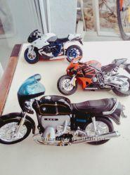 Машинки мотоциклы железные Kinsmart, Maisto, Bugaro, Welly
