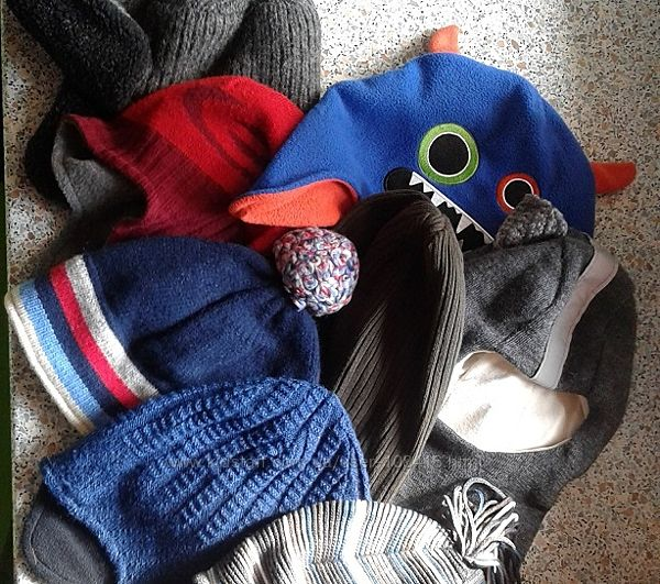 шапки разные 52-54