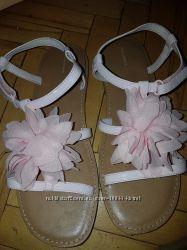 Босоножки летние для девочки розовые длина стельки 24 см  фирма LANDS AND