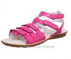 Geox  Girls J SAND. MILK оригинал легчайшие сандалии мегаудобные 34р. 1-пара