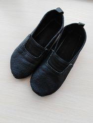 Чешки кожаные черные 20 см