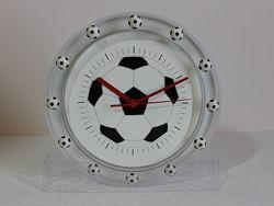 Оригинальные настенные часы футбольный мяч.
