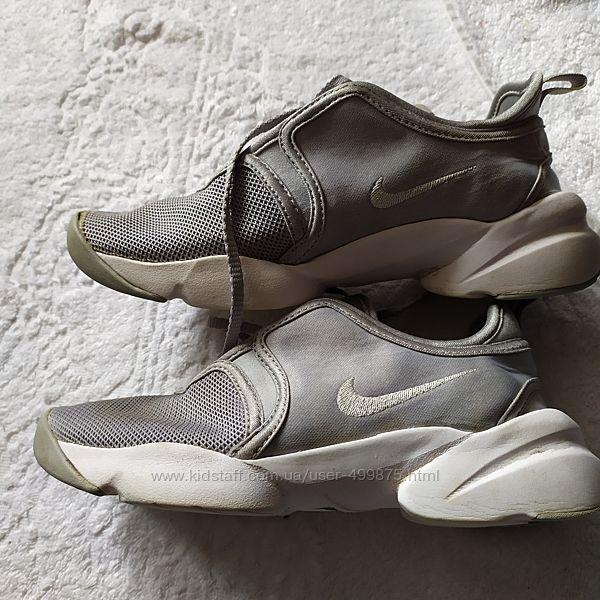 Nike стильные кроссовки 35 размер