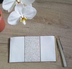 Сумка-Клатч женский белый со вставкой из золотой крошки, кожзам.
