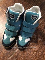 Ботинки-Сникерсы женские .