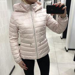 Скидка. Красивая розовая куртка с капюшоном Mohito.