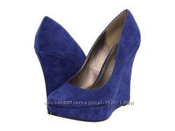 Новые женские брендовые праздничные туфли танкетка  модные стильные