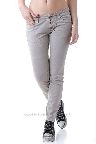 Новые штаны , фабричные, фирменные, 98хлопка, 2 эластина, модные