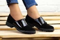 Очаровательные чёрные туфли , спереди замок, натуральная замша и кожа, Укра