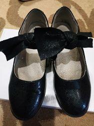 Туфли детские р. 32 б/у