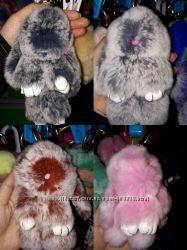 Мягкий брелок кролик из натурального меха
