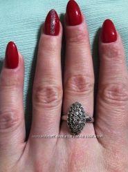 Серебряное кольцо с марказитами капельное серебро