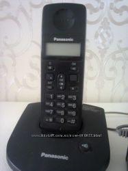Радиотелефон Panasonik KX-TG1077UA c адаптером