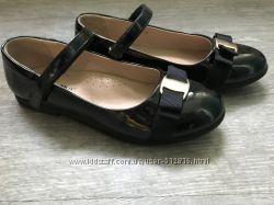 Красивые лаковые туфли Сказка