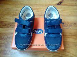 Кроссовки Chicco для мальчика размер 33