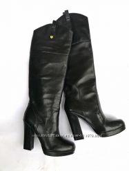 Guess, кожаные, ботфорты на каблуке шикарные стильные высокие сапоги