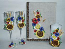 Свадебное шампанское, бокалы, свечи