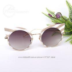 Солнечные очки с ушками