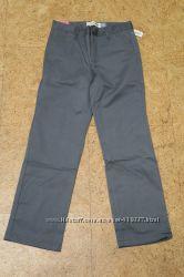 Неубиваемые школьные брюки от Old Navy на мальчика 8 лет.