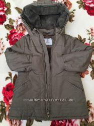 Отличная тёплая курточка на девочку в идеальном состоянии