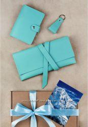 Подарочный набор из кожи - тревел-кейс, обложка на документ и брелок. Скидк