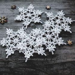 к Новому году, снежинки, гирлянды, новогодние корпоративные сувениры