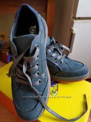 новые ботинки кожа 35р
