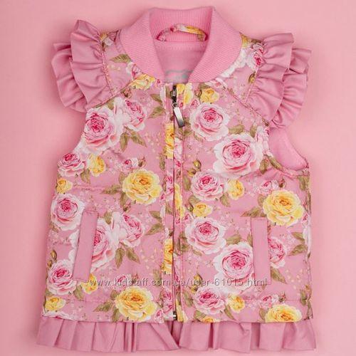 Красивая жилетка для малышки