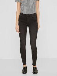 Черные джинсы Mango