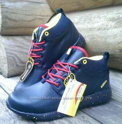 Утепленные ботинки Restime с красной шнуровкой, т. синий.