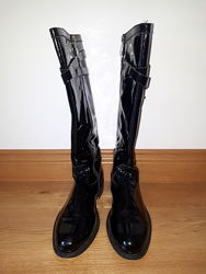 Лакові чобітки Blumarine, 37