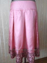 Шелковая юбка фирмы Miss Selfridge