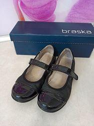 Кожаные туфли Braska 34 размер
