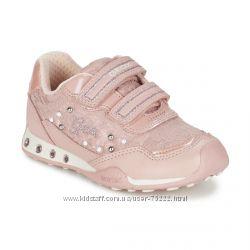 Geox Италия кроссовки с мигающей подошвой р. 34