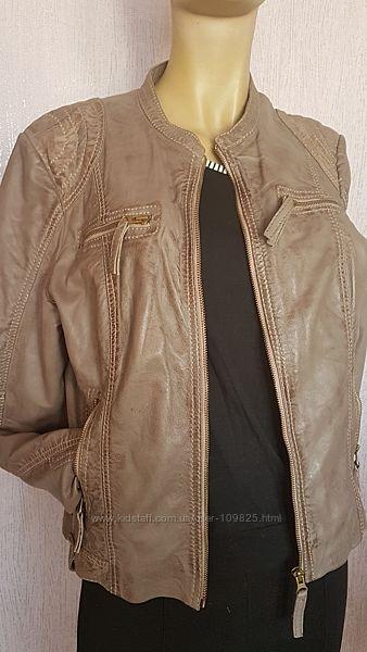 Стильная кожаная куртка бомбер