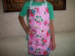 Фартушки для мам и деток, прихватки на кухню