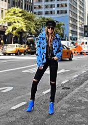 Женская куртка- шубка GUESS из искусственного меха
