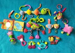 Шикарный набор фирменных игрушек для самых маленьких 12 шт