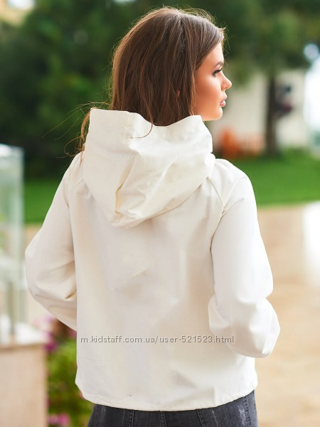 Новая  белая джинсовая куртка укороченная короткая с потертостями ветровка